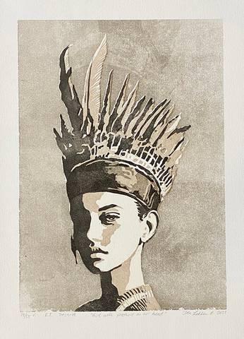 Bilde av Girl with feathers on her head (grå variant) av Ida Løkken